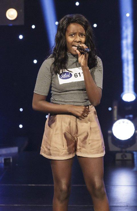 Gi din stemme: Elisabeth Welde (16) skal gi alt med sin stemme for å komme til finalen, men hun trenge også hjelp av din stemme.