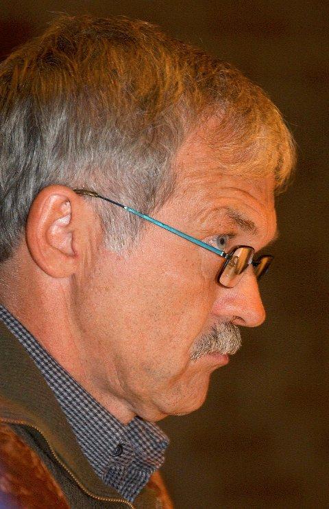 HAR IKKE SETT AVTALEN: Kontrollutvalgsleder Arne Larsen (SV).