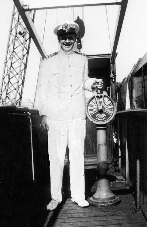 BLE KARMØYBU: Skipsfører Hans Birger Hjertaker (1911-2002) og familien flyttet til Torvastad etter krigen.