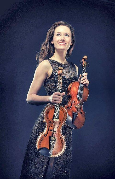 MODERNE UTTRYKK: Fiolinisten Ragnhild Hemsing smelter sammen folkemusikk og klassisk musikk.