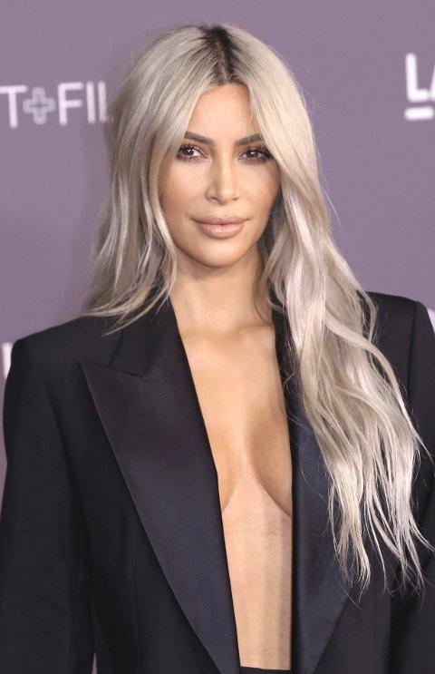 KVINNEKROPPEN GIR MAKT: Den økonomiske makten Instagram-kjendiser som Kim Kardashian og andre, som har oppnådd berømmelse på grunn av måten de gir verden visuell tilgang til kroppene sine på, er reell. Men, fra et maktperspektiv er dette en svært flyktig form for «empowerment», mener Pil Teisbo.FOTO: AP