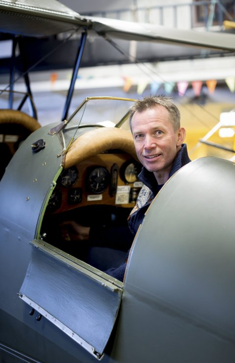 HÅPER PÅ FLYSENTER: Finn Terje Skyrud, leder i Stiftelsen Kjeller flyhistoriske kulturpark.