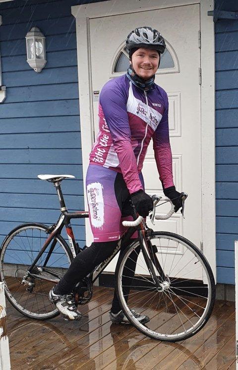 Erland Arnesen har satt seg et hårete mål. Han skal sykle Trondheim-Oslo til inntekt for kreftsyke barn.