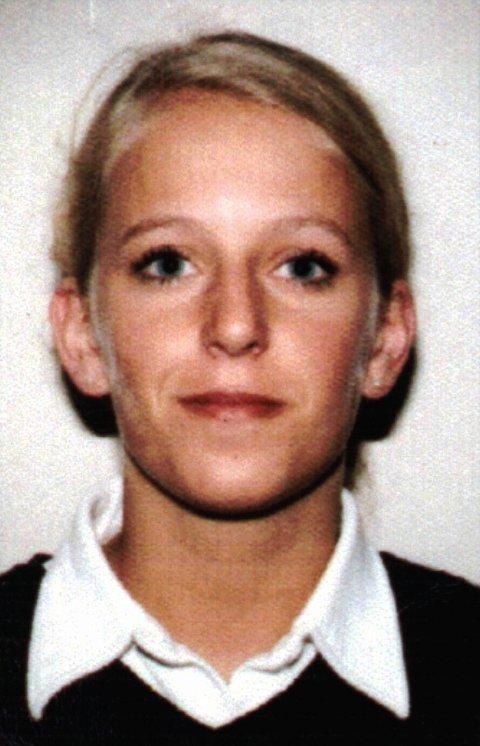 17 ÅR SIDEN: 20 år gamle Tina Jørgensen ble funnet død i en kum ved Bore kirke på Jæren høsten 2000. Drapet er fortsatt uoppklart. Arkivfoto: Politiet / NTB scanpix