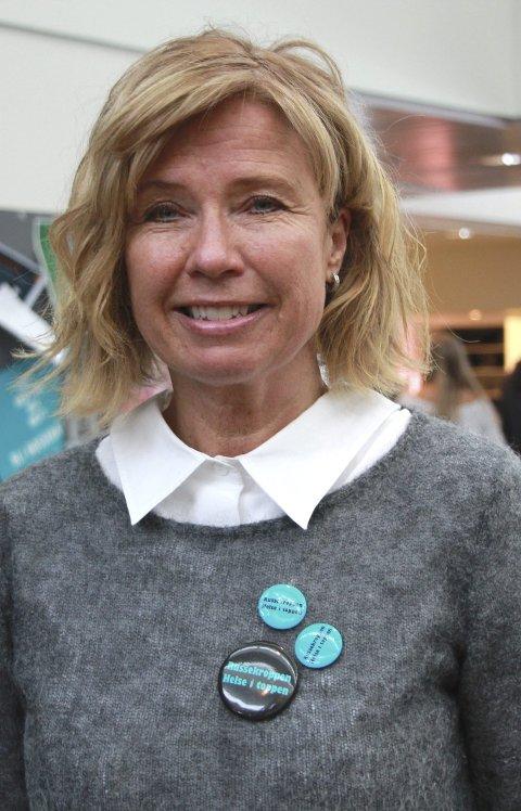 Helsesøster: – Etter Metoo har krenkende seksuell adferd gått ut på dato, sa helsesøster Gro Abrahamsen til avgangskullet.