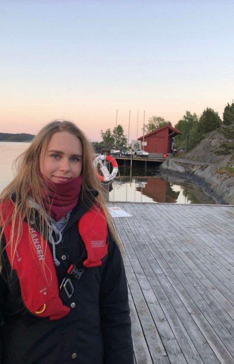 – Jeg er glad for at det ikke ble noe, særlig når det er som det er nå med hjemmeskole og alt, sier Cathrine Austenå Eriksen (18)