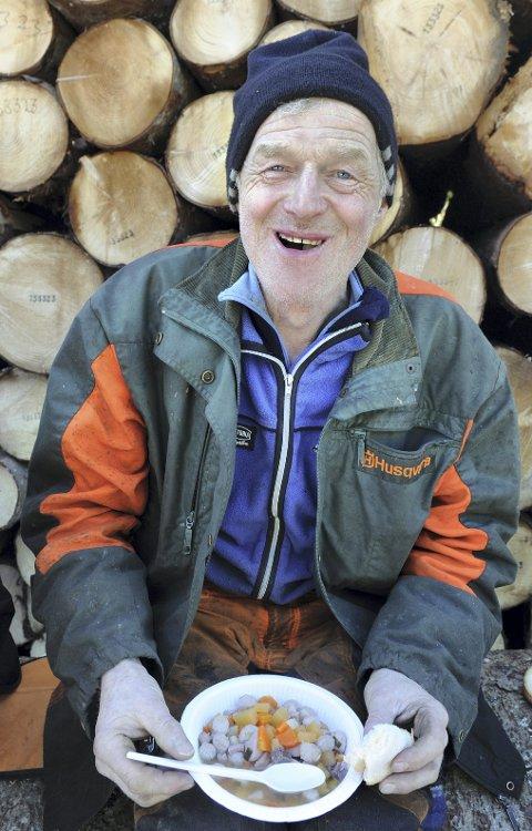 Suppe: «Den som sulten knuget har» ... Lars J. Mork, rypejeger, seniorgolfer og svart belte i tømmerhogst.