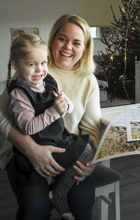 Dreven modell: Elise Madsen Henriksen tar massevis av bilder av Tuva, som er blitt en dreven modell. Nå skal de dele på premien som mamma vant i fotokonkurransen.Foto: Mette Urdahl