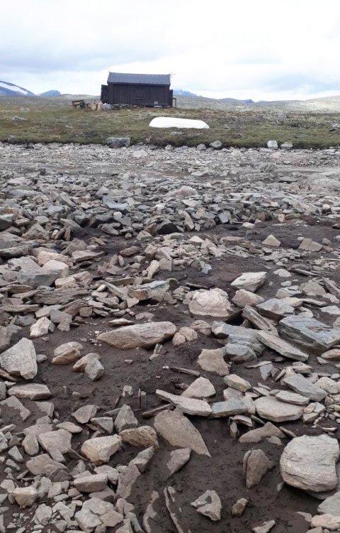 STOPPET: Nedtappingen av Einøvlingsvatnet på Dovrefjell er stoppet.