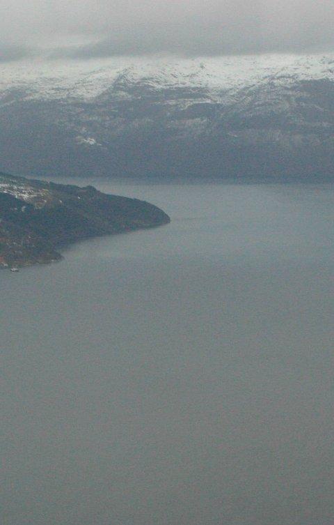 Description: Hardangerfjorden Utne, Ulgenese, Tjoflot oversiktsbilete frå helikopter 11.1.2005 Foto: Johs H. Sekse Photographer: Place: State: Country: Provider: