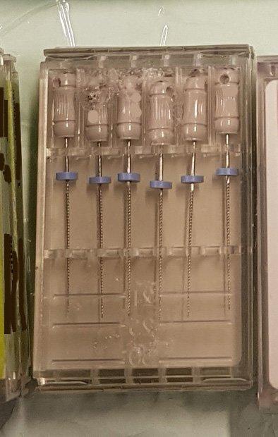 Under en aksjon tok tollere beslag i tannteknisk utstyr. 60 tannlegebor og nåler oppfylte ikke kravene til merking og bruksanvisning.