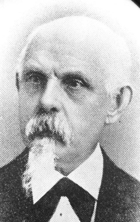 STARTET DET HELE: Hans Jürgen Magnus Hansen (1829 - 1890) var født og oppvokst i den nordtyske byen Plön. Som ung hadde han vært soldat og var dekorert med Jernkorset. Til Norge kom han første gang i 1857 og slo seg ned som bokbindermester i Tønsberg tre år senere. Kort tid før han startet Tønsbergs Blad i 1870 fikk han også bevilling som boktrykker.