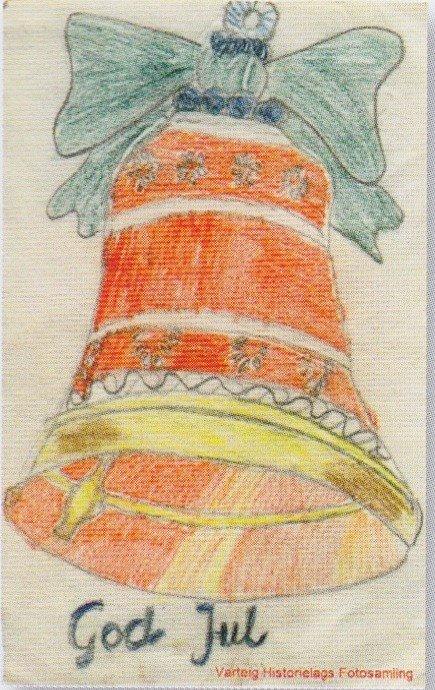JULEKORT: Dette julekortet er lagd en gang på 1950-tallet av Anne-Lise Johansen. Hun tegnet en julebjelle som er rik på detaljer, står det beskrevet på hjemmesidene til Varteig Historielag.