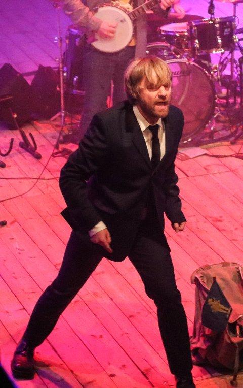 KONSERT: Håkon Ohlgren i Onkel Tuka og Belfast Express har konsert på Kongens Brygge 2. juledag.
