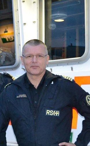 """HEKTISK: De siste dagene i januar i fjor måtte skipper Fred Tonny Hansen og resten av mannskapet på """"Det Norske Veritas"""" bistå med evakuering, og utkjøring av medisin."""