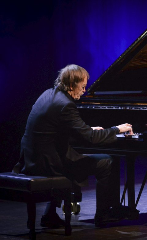 MESTER: Håkon Austbø holder konsert i kulturkirken Jacob 25. januar.