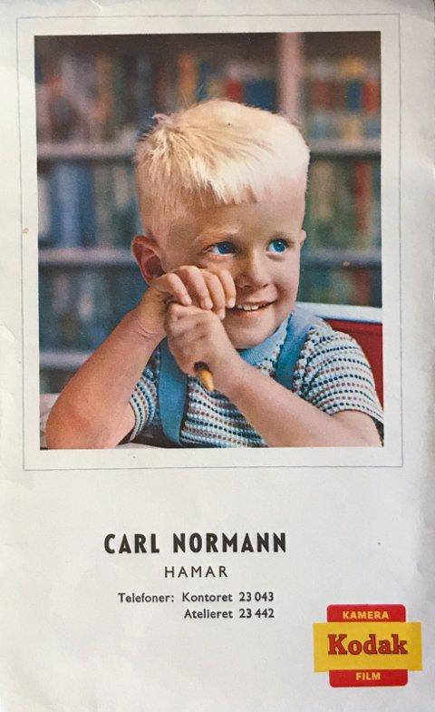 FOTOGRAF: Her er en liten reklame for fotografen Carl Nordmann.