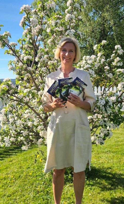 Nå har Anne Minsaas i Steinkjer skrevet enda en bok om Martine. Det er en ungdomssbok, men det var mange voksne som leste den første boken hennes.