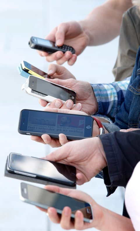 Oslo, Norway 20150604. Bruk av mobiltelefon og nye mobilvaner. Foto: Gorm Kallestad / NTB scanpix / TT / kod  20520