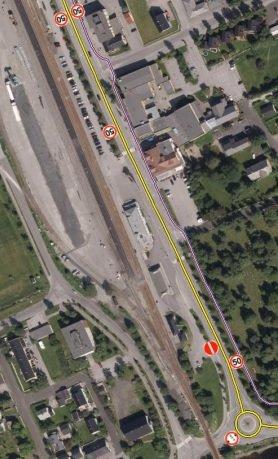 På denne strekningen forbi Mosjøen jernbanestasjon foreslår Statens Vegvesen å senke fartsgrensa fra 50 km/t til 40 km/t.
