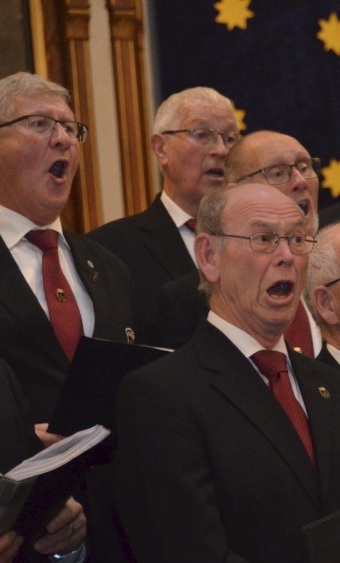 Mannssang: Kragerø Sangforening.