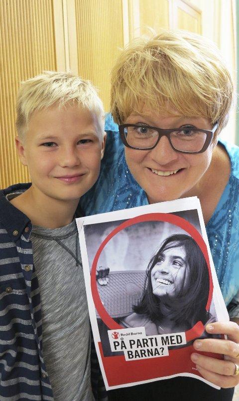 AMBASSADØR: Daniel Rishaug Kjos (11) med Venstre-leder Trine Skei Grande. BEGGE FOTO: MAI SIMONSEN,  REDD BARNA