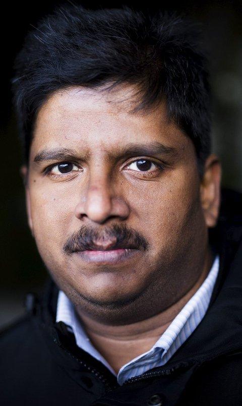 I KOMMUNESTYRET: Parabaran Rajalingam ble i høst valgt inn i kommunestyret i Karlsøy kommune.