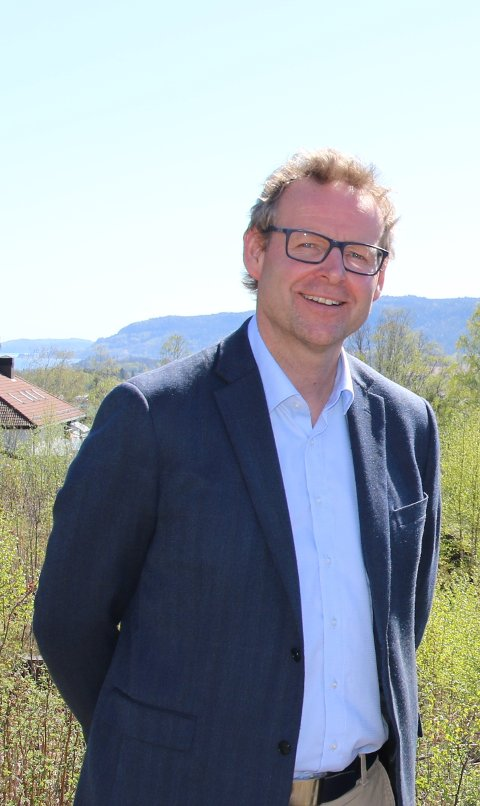 SELGER BOLIGER I SANDE.: Per Øyvind Bolstad var slettes ikke sikker på at 2020 ville bli noe godt salgsår.