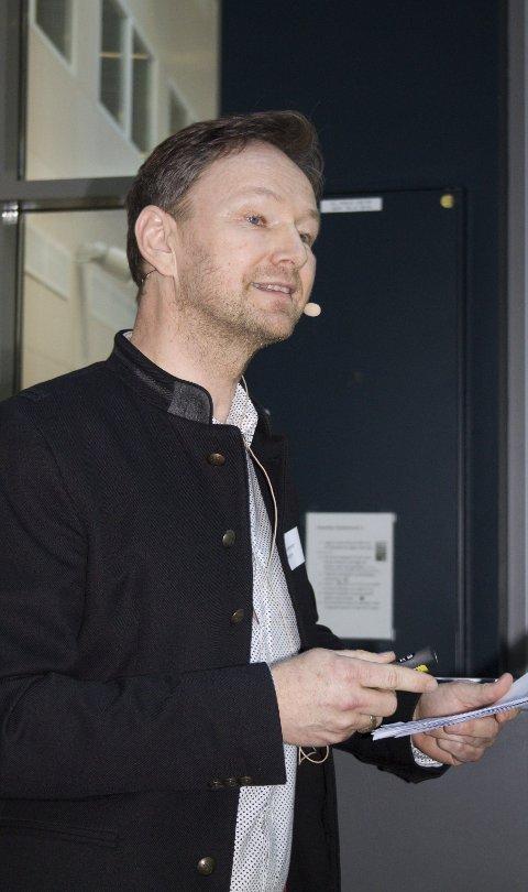 SUKSESS: Arne Udnesseter fortalte om suksessen til Sanngrund, og hvordan det har gått med prosjektet Restaurant Einer i Oslo, som nylig kom med i Guide Michelin.BILDER: Arnfinn Storsveen