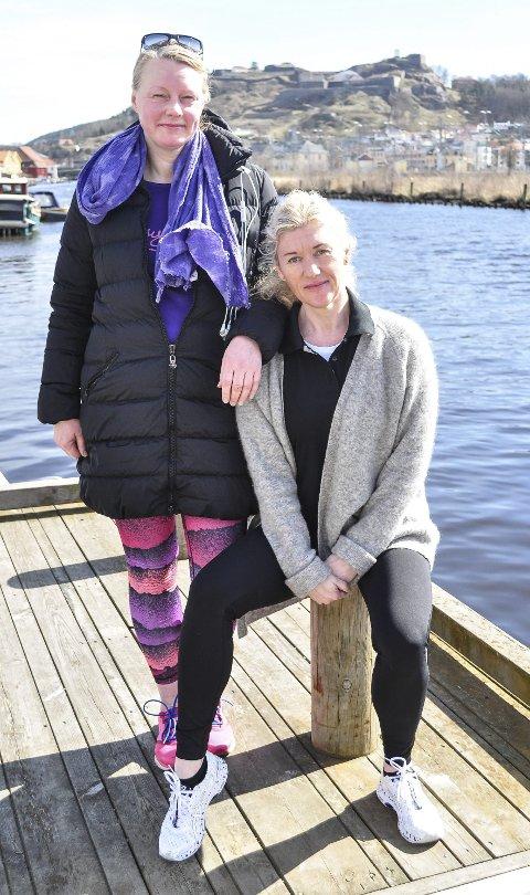 AVLYSER: Gro Gulbrandsen (stående) og Hilde Rustad er ildsjelene som stort sett på egen hånd har arrangert Sløyfeløpet siden 2012. Nå er årets arrangement avlyst.Foto: Atle Wester Larsen