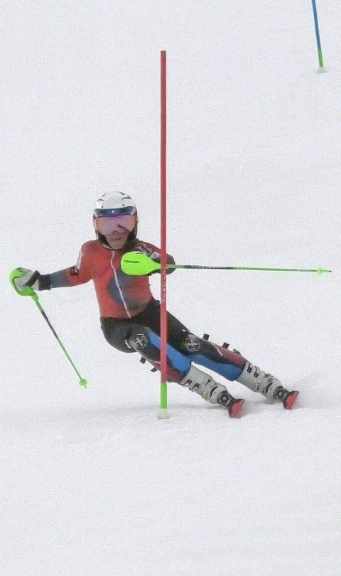 I UTLANDET: Theo Rabben har en litt annerledes høstferie enn de fleste andre 12-åringer. Alpinisten er på treningsleir i Østerrike. Der får han trene på snø allerede.Foto: Privat