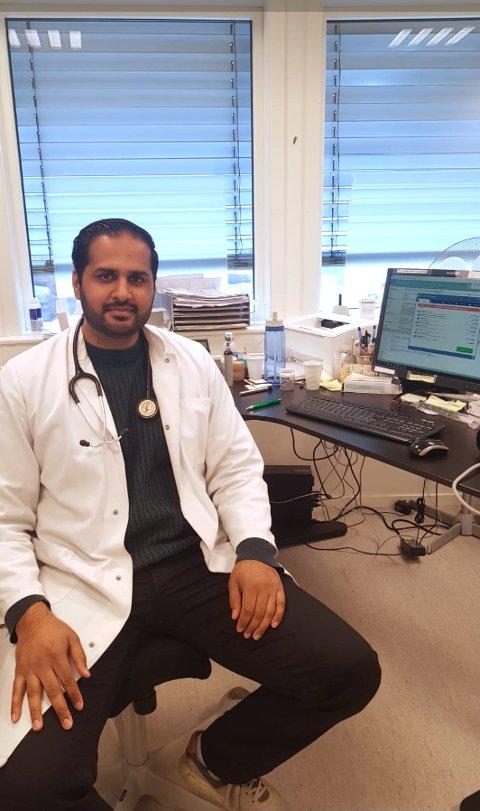 Mohammad Farooq Iqbal  har allerede funnet seg godt til rette ved Aurskog legekontor.