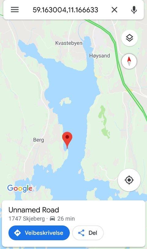 KART: Ifølge tipseren ligger det to båter ved Værbaug i Skjebergkilen som er i ferd med å synke til bunns.