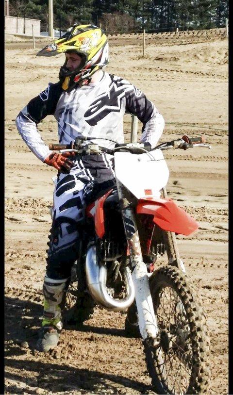 TØFFING: Det er knallhardt i toppen i motocross. Marco Herberg ønsker å kjempe om de beste plassene.