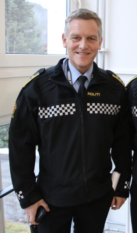MER RESSURSER: Lensmann Asbjørn Skåland ved Flekkefjord og Kvinesdal lensmannskontor vedgår at han ønsker seg mer politiressurser på kveldstid.