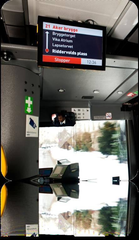 PÅ BUSSEN: Også bussene skal utstyres med skjermer som viser de neste stoppestedene på ruta man til enhver tid kjører. Her fra Oslo.