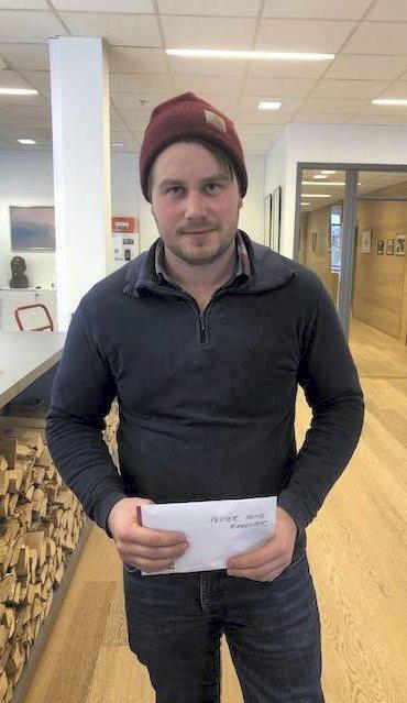 OVERRASKET: Petter Sund, som bor på Kirkenær, vant «Finn Nissen» fordi besteforeldrene hans hadde sendt inn i hans navn. FOTO: INGVILL BOLSGÅRD