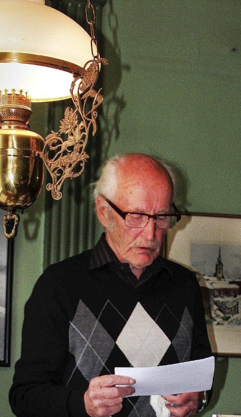 Mer på gang: Anders Sakrisvoll med manus til nok ei bok, denne gangen om samfunnsmennesket Johan Falkberget.