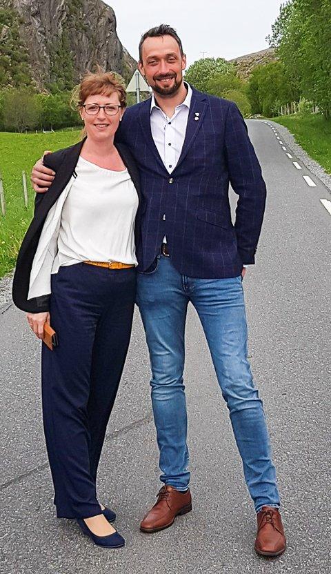 Glede: Fylkesråd Ingelin Noresjø og ordfører i Dønna John-Erik S. Johansen gleder seg over 140 millioner kroner til opprusting av fylkesvei 828.