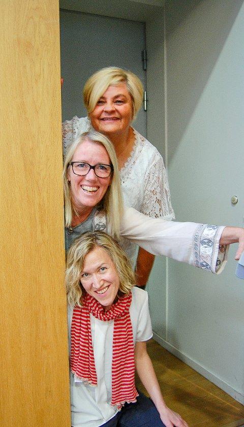 FORNØYD DAMETRIO: De er svært fornøyd med programmet de har lagt opp til i Kolben til høsten. Ovenfra: Lone Schrøder, kulturhussjef og kulturkonsulentene Britt Gustavsen og Carina Jørgensen.