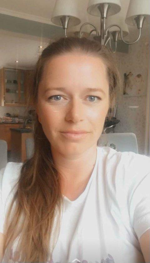 GLAD VINNER: - Det er helt fantastisk, sier Linda Folkestad (37) i Langesund om å vinne en ny Tesla og 250 000 kroner.