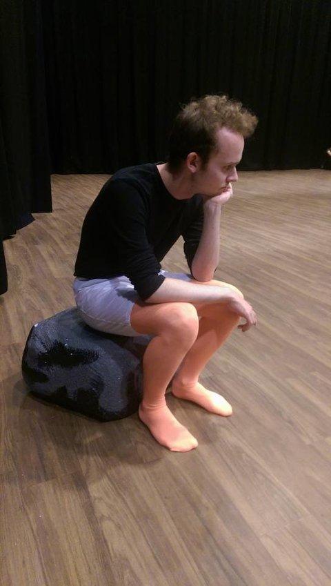 Gakk blir ofte misforstått og sendt i  skammekroken, spilt av Håvard Martin Kvadsheim i Cast 1.