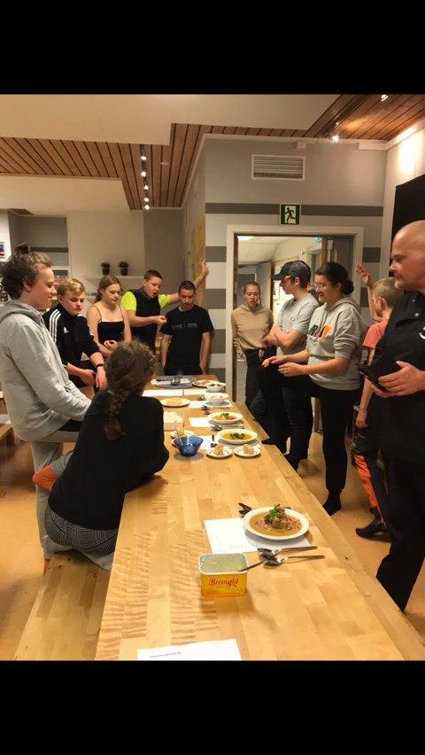Suppe: Elever fra Snåsa Montessoriskole deltok i prosjektet «Lag suppa di sjøl».