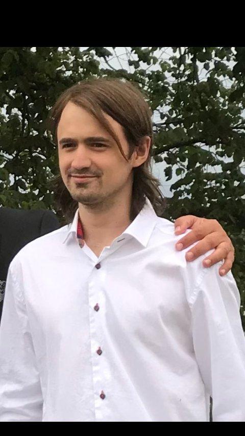 SAVNET: Mandag ettermiddag pågår det en leteaksjon etter denne savnede mannen.