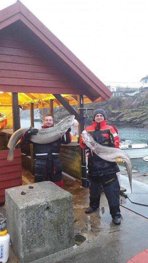 Brødrene fikk de svære fiskene på 150-200 meters dyp.