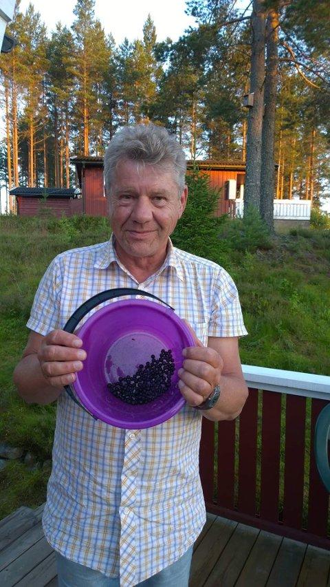 Nå kan Svein Holm endelig dra på hyttetur til Sverige igjen, men for å unngå karantene så blir det bare for en dag.