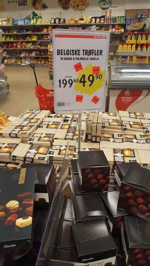PRIS: Ikke så lett å finne korrekt kilospris på denne boksen med belgiske trøfler.