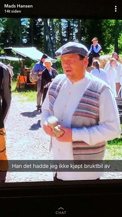 TVILSOM BRUKTBILSEGER: Ville ikke kjøpt bruktbil av han her, skriver Spårtsklubbens Mads Hansen på Snap Chat.