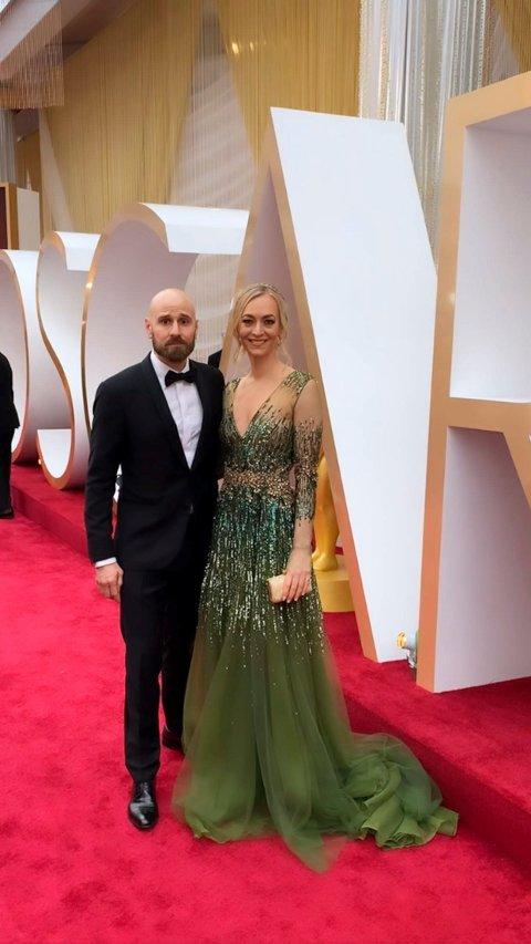 OSCARUTDELING:    Jon Erie Prytz bor i Haugesund og er gift med Linzi Howell Prytz fra England. Her er de på Oscar-utdelingen i Los Angeles.