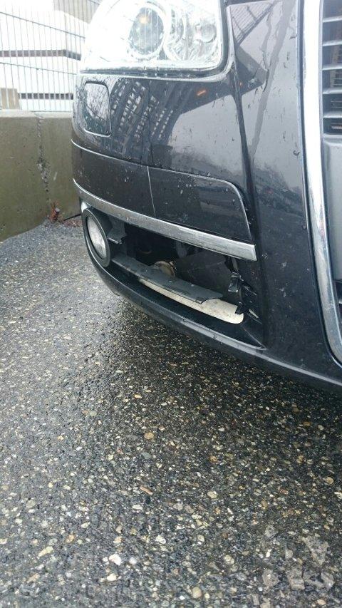 SKADER: Johny Nordgård fikk skader på bilen sin.